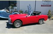 MG_midget_1971_5000_rouge_cabriolet.jpeg